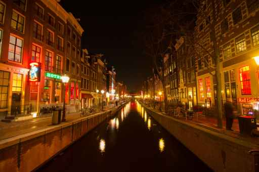 amsterdam canal lights red light district